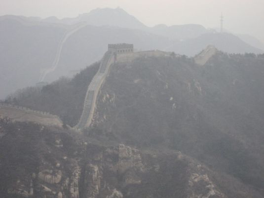 The Great Wall shrouded in smog © Charlotte Marillet/Flickr