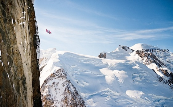Geraldine Fasnacht jumping from the Aiguille du Midi © Chris Schmid, via geraldinefasnacht.com