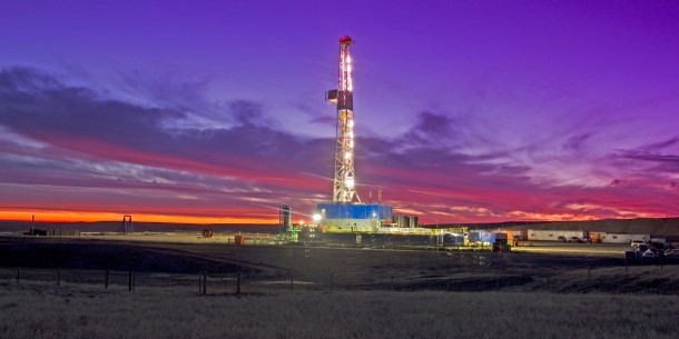 An oil fracking rig. ©Getty Images, via Huffington Post.