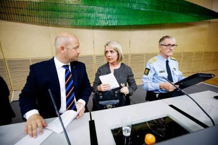 From left to right: Justice Minister Anders Anundsen, head of PST Benedicte Bjørnland, chief of police Vidar Refvik. Image © Heiko Junge / NTB scanpix via Dagens Naeringsliv.