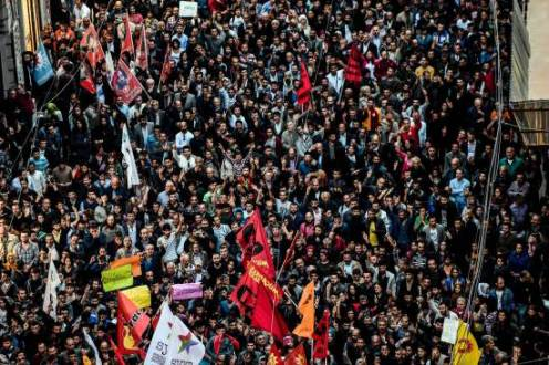 Thousands of protesters march against the deadly attack that took place in Ankara on October 10. ©AFP PHOTO / OZAN KOSEOZAN KOSE/AFP/Getty Images
